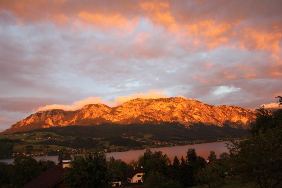Sonnenaufgang Ausblick Balkon Höllengebirge
